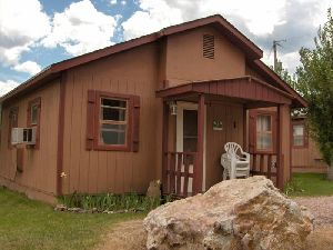 Black Hills Cabins & Motel @ Quail's Crossing  image